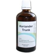 Koriander-Trunk