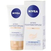 NIVEA® FACE Getönte Feuchtigkeitspflege hell LSF 15
