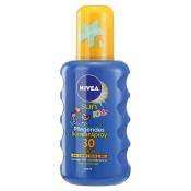 NIVEA® SUN Kids Pflegendes Sonnenspray LSF 30